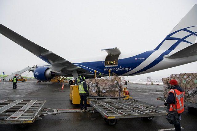 Volga-Dnepr Boeing 777