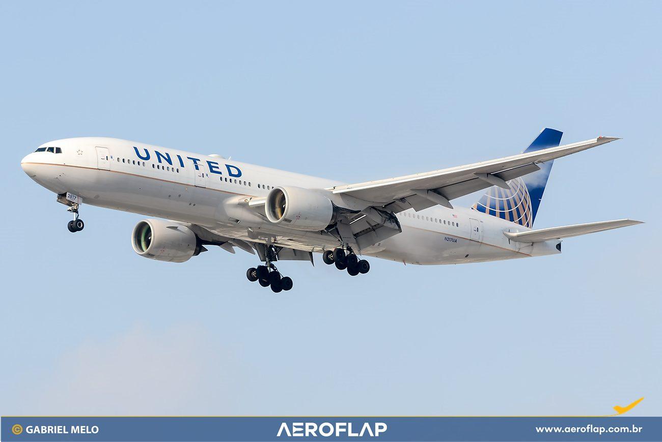 United Airlines Boeing 777 Pratt & Whitney
