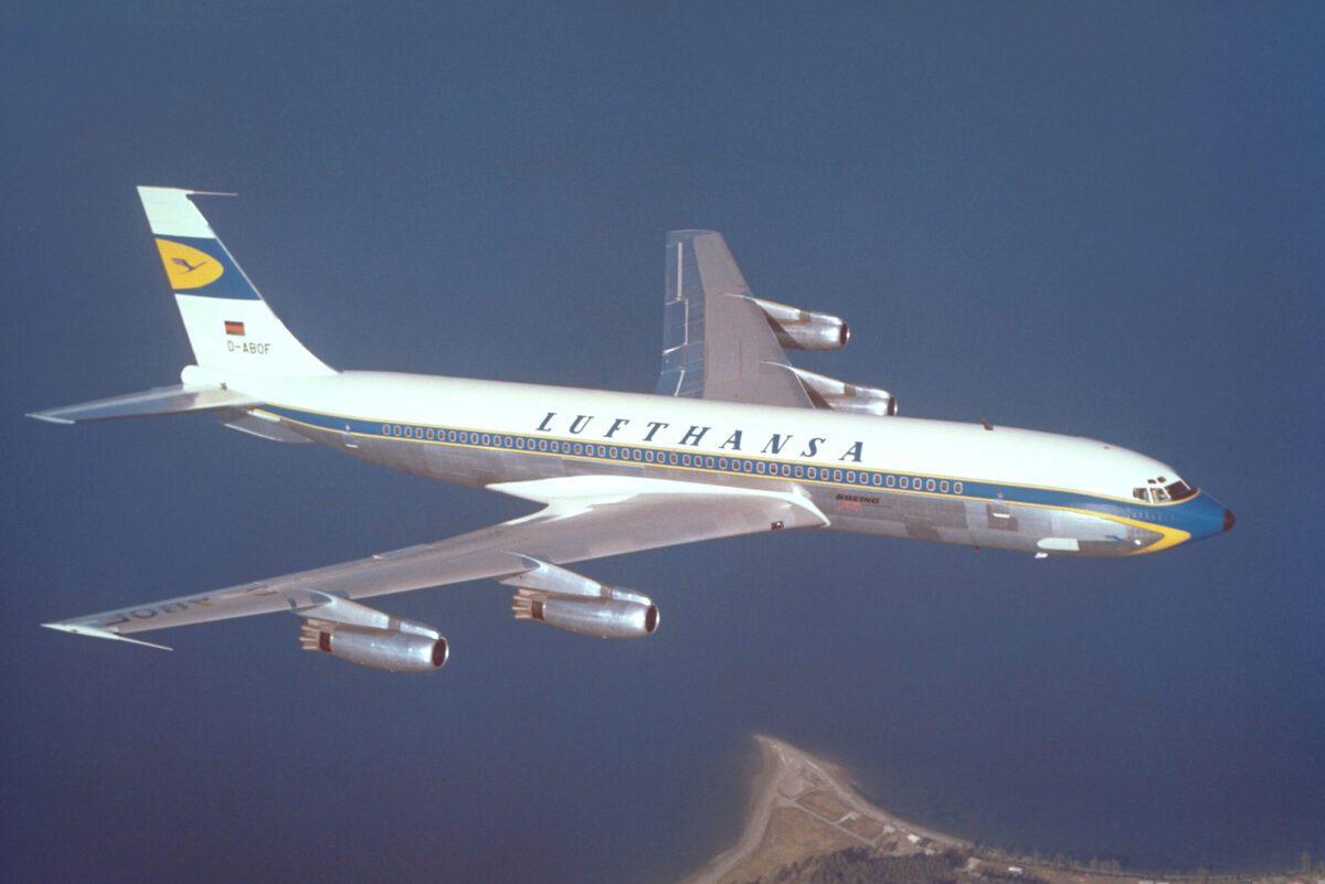 Lufthansa Boeing 707 Hamburgo