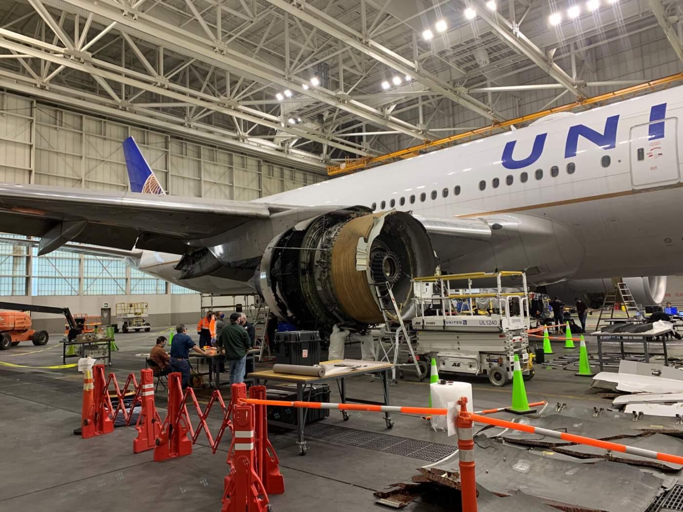 Boeing 777 Pratt & Whitney United Airlines Motor