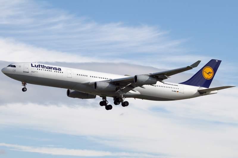 Lufthansa Alemanha Airbus A340