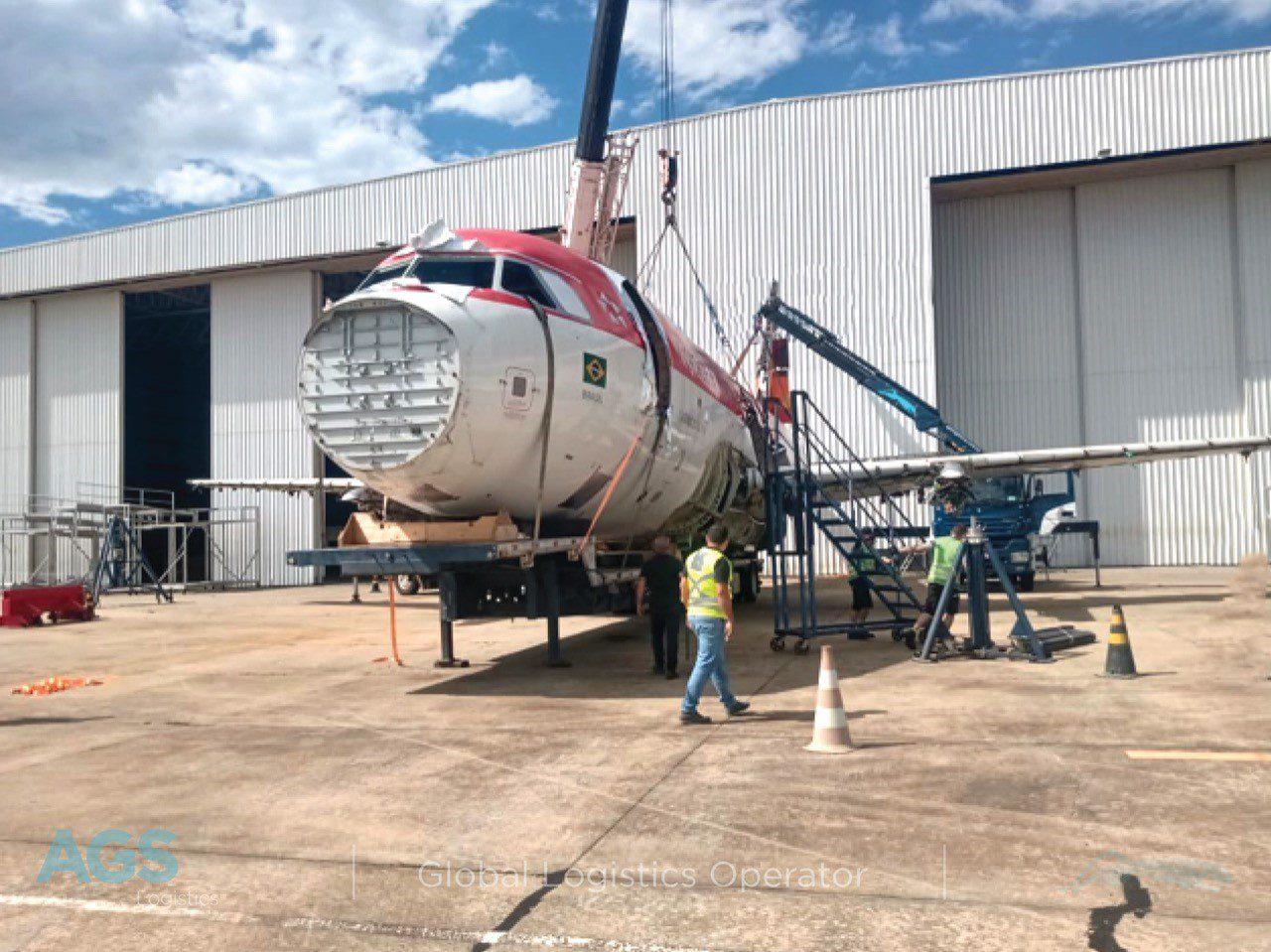 Carcaça do Airbus A318 da Avianca Brasil