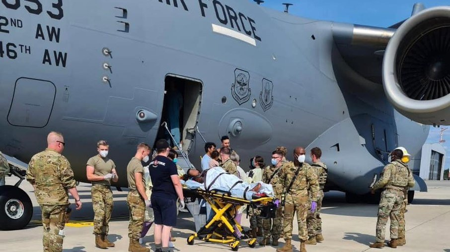 Boeing C-17 USAF mulher Afeganistão